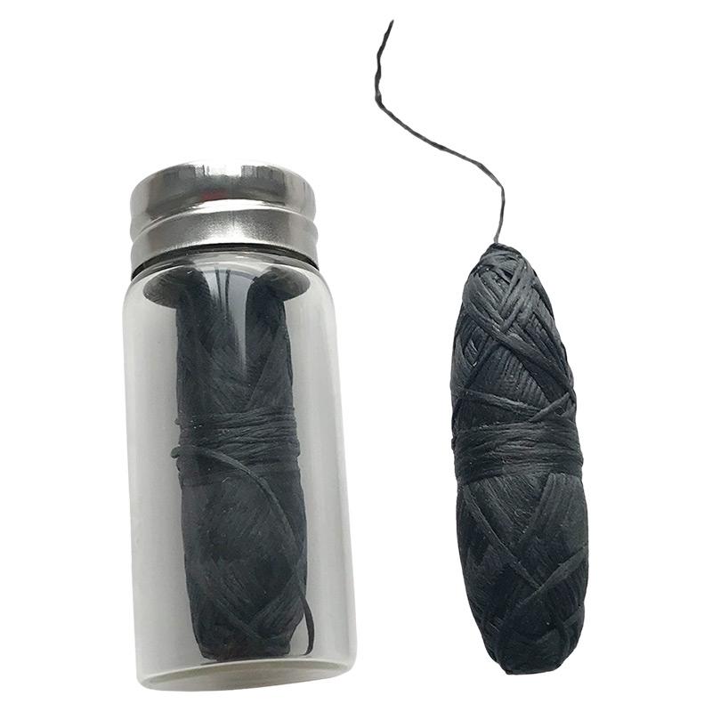Екологічна зубна нитка зі смаком м'яти (чорна), 30 м